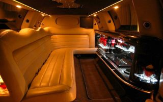 lincoln stretch limo inside West Palm Beach